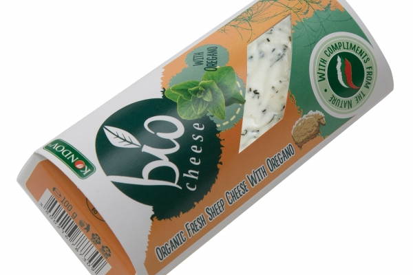 Organic Fresh sheep Cheese with Oregano